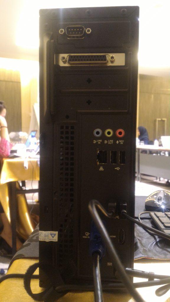 Kensington lock slot dan padlock slot